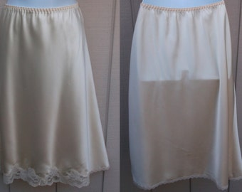 80s Light Pink Satin Bias Cut Half Slip / Vintage Maidenform Something Special Skirt Slip // Size Med