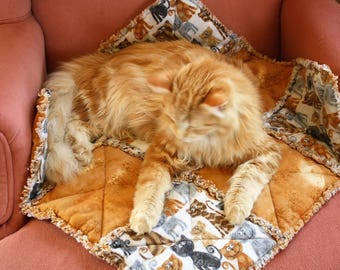 Cat Blanket, Cat Quilt, Flannel Cat Blanket, Cat Accessories, Cat Bed, Fabric Cat Bed, Pet Sofa Cover, Travel Cat Bed, Pet Bed, Crate Mat