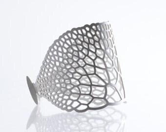 Crenulate Bracelet  | lasercut rubber jewelry | Corollaria collection