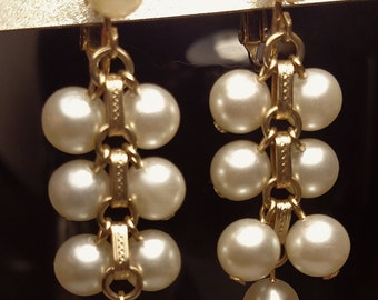 Long Cluster Chandelier Vintage Mid Century White Faux Pearl Gold Clip On Earrings Signed Sarah Coventry