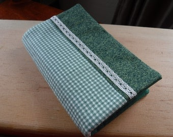 Green Plaid Paperback Book Cover, Trade Size Paperback, Reading, Soft Cover Sleeve, Cotton Book Sleeve, Bookworm Gift, Lace Trim, Dark Green