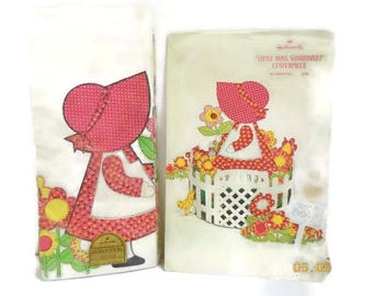 Little Miss Sunbonnet Hallmark Table Centerpiece And Table Cover | NIP Vintage Hallmark Party Supplies