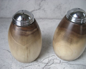 Salt and Pepper Shakers (Walnut)
