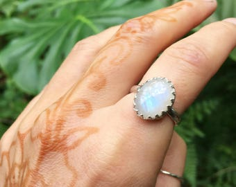MOONSTON royal ring // ECO-FRIENDLY recycled sterling silver // size 7.5