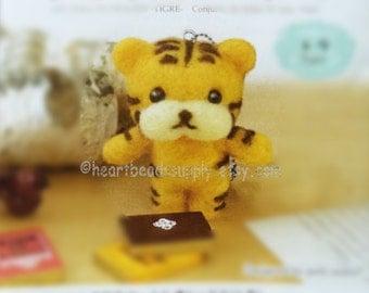 Diy Needle felting kit - Cute tiger, wool with needle, easy, keychain charm, craft felt kit tool, beginner, id1360103 gift for diyers