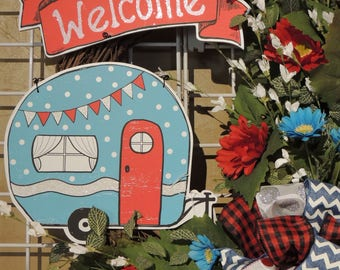 Front Door Wreath, Grapevine Wreath, Retro Camper, Vintage Style Trailer, Gerber Daisy and Ribbon Spray Wreath, Wall, Summer, Americana