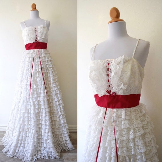 SUMMER SALE/ 30% off Vintage 50s 60s Layer Cake White Tiered Lace Gown (size xs, small)