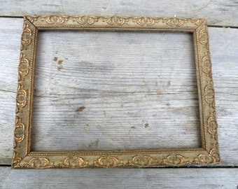 Vintage Antique 1900 Victorian  French gilted stucco open frame