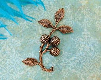 ANTIQUE COPPER * Berries Raspberry Branch Leaves Stamping ~ Jewelry Findings ~ Brass Stamping (E-646)