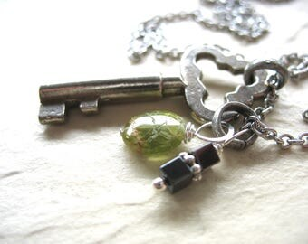 Skeleton Key Necklace, Peridot Hematite Stone Statement Chain Necklace, Handmade Jewelry, Peridot Necklace, Gemstone Jewelry