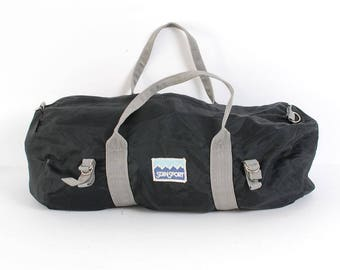 LIGHTWEIGHT black nylon 70s 80s DUFFEL athletic gym bag