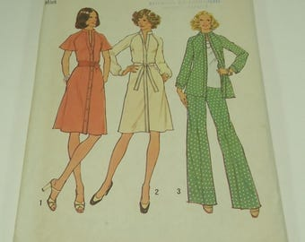Simplicity Misses' Dress Or Top And Pants Pattern 7092 Size 10