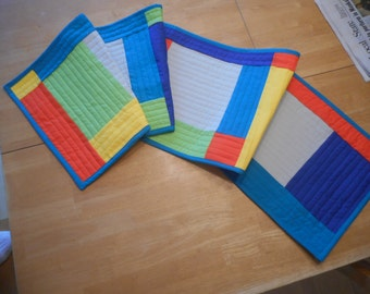 Table runner in brights