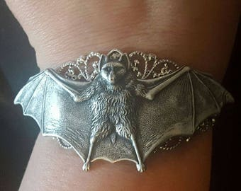 Bat cuff, Bat,Bat jewelry, Bat bracelet, Goth, Gothic, Rockabilly, Pinup, Animal jewelry, MsFormaldehyde