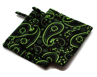 Quilted Pot Holders set of 2 Black Green Paisley Shamrock Irish St Patrick's Day