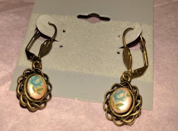 Vintage Flower Glass Stone Earrings