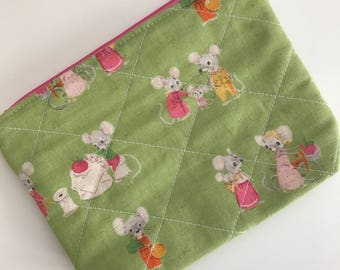 Mouse Zipper Pouch, Mouse Coin Purse, Mouse Wallet, Mouse Money Holder, Mouse Earbud Holder