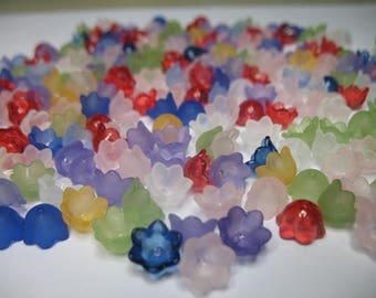Beautiful Plastic Flowers for Art, Craft, Jewelry, and Gift Creating