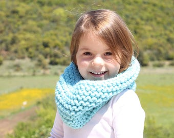 Kids cowl, turquoise, turquoise chunky, cowl, infinity scarf, toddler cowl, neck warmer, cowl scarf, kids scarf, toddler scarf