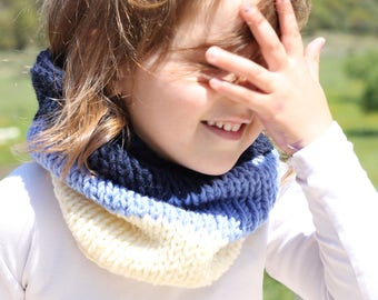 Toddler cowl, blue, navy, kids cowl, cowl, infinity scarf, , neck warmer, cowl scarf, kids scarf, toddler scarf, knitted scarf