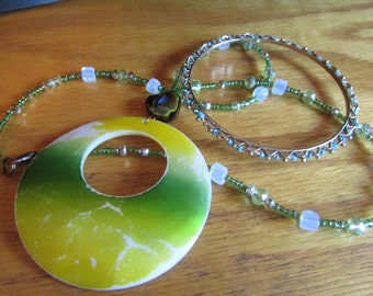 spring mother pearl necklace