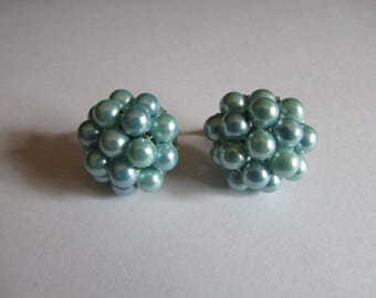 Teal pearl clips