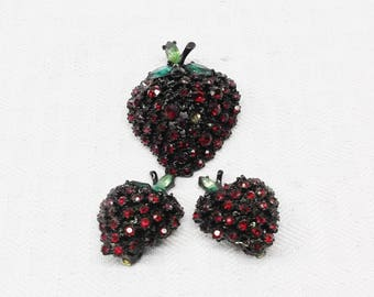 1960s Vintage ART Strawberry Brooch and Clip Back Earrings Set Demi Parure