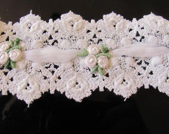 2 Yards White Cotton Lace Trim... pretty applique and nylon running through