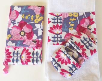 Oven Mitt - Kitchen Towel - Fingertip Mitt in Fucshia Floral and Deco Bloom