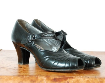 Vintage 1930s Shoes -  Darling Black Shiny Patent Leather Peep Toe 30s Heels with Decorative Buckling Strap Size 6 N