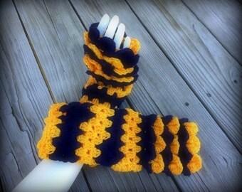 Crochet Dragon Tear Fingerless Gloves/Dragon Tear Fingerless Gloves/Fingerless Gloves/Crochet Fingerless Gloves