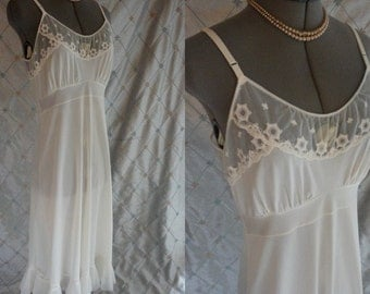 50s 60s Lingerie //  Vintage 1950's 1960's Ivory Lace Slip by Faerie Surelock Size 36 Tall accordion hem