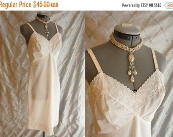 ON SALE 60s Lingerie // Vintage 1960s Ivory Slip with Embroidered Trim and Side Zipper by Adonna Size M 36 ave