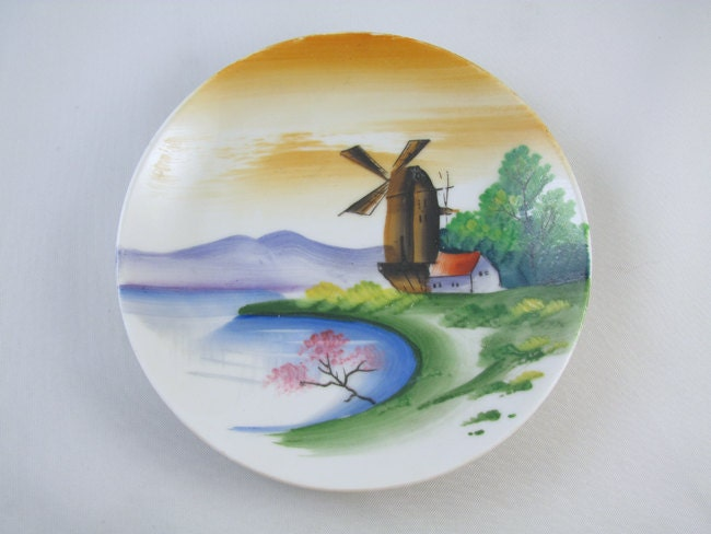 Lot of 3 vintage hand painted Japan decorative plates / porcelain / china / bone china / shabby chic / decor / wall hanging / wall plaques