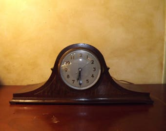 Vintage Mantel Clock Westminster Chime  New Haven Electric Calvin Made in the USA