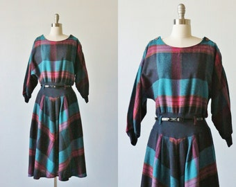 Vintage 1980s Plaid Wool Secretary Work Dress / Dolman Sleeves / Buttons at Shoulder / Belted / Wool Dress