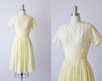 Vintage 1950s  Dress / 50s Dress / Yellow / Cotton Dress / Lace Bodice