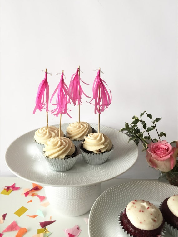 Mini-Tassel Cupcake Toppers - Fuchsia