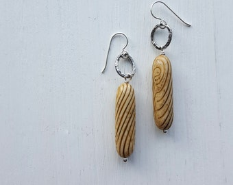 the bard - earrings - vintage lucite and sterling