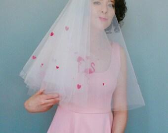 Love flamingo veil - Kitsch wedding veil - hearts and flamingo wedding veil  - alternative veil - Alternative bride