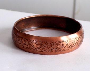 Copper Bangle Bracelet, Vintage Etched Bangle, Wide Copper Floral Bangle, Copper Flower Bracelet, Stamped Floral Botanical Bangle Bracelet
