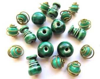 Funky Vintage Emerald Green Bead Mix