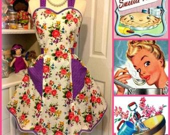 Handmade woman's circa 1942 retro sweetheart apron