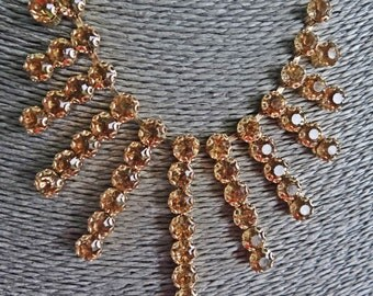 "Stunning! STATEMENT PIECE Vintage gold tone 19.5"" necklace w golden taupe rhinestones in great condition-appears unworn"