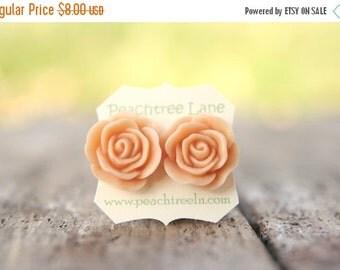 SALE Bridesmaid Jewelry Large Peach Rose Flower Stud Earrings // Bridesmaid Gifts // Vintage Wedding //  Rustic Barn Wedding