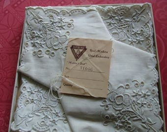 Set of 6 Vintage Never Used Maderia Hand Embroidered Napkins 13 x 13""