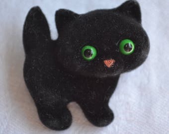 Vintage Halloween Pin Brooch - Fuzzy Flocked Black Kitten - 1982 Hallmark