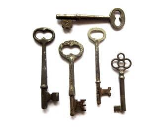 5 Vintage skeleton keys Real keys Antique skeleton key Old skeleton keys Old Skelton Vintage old keys Antique rusty keys Old bit keys #2