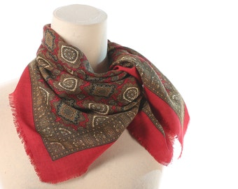 Bohemian Scarf 70s  Red Plain WOOL KERCHIEF Shawl 1970s Abstract Print Vintage Scarf Red Beige Retro Fringed Neckscarf
