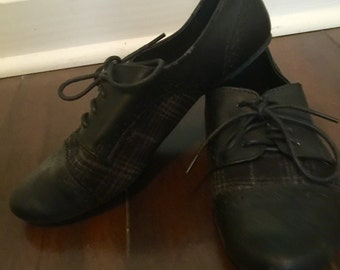80s Vintage Oxford Style Black and Plaid Shoes Size 7.5